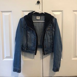 Cropped hooded denim jacket